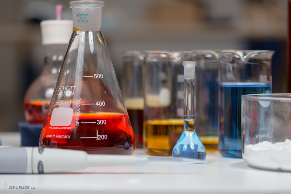 Chemistry flasks De Leuze Overpickling inhibitors