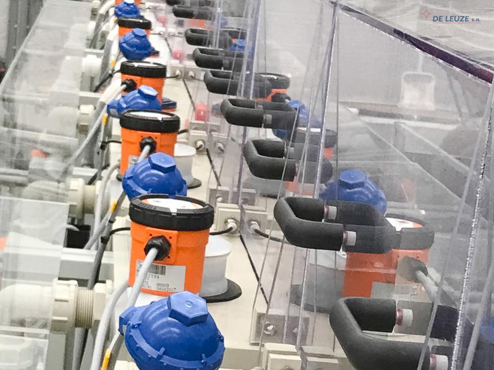 Close-up view of the De Leuze pickling simulator